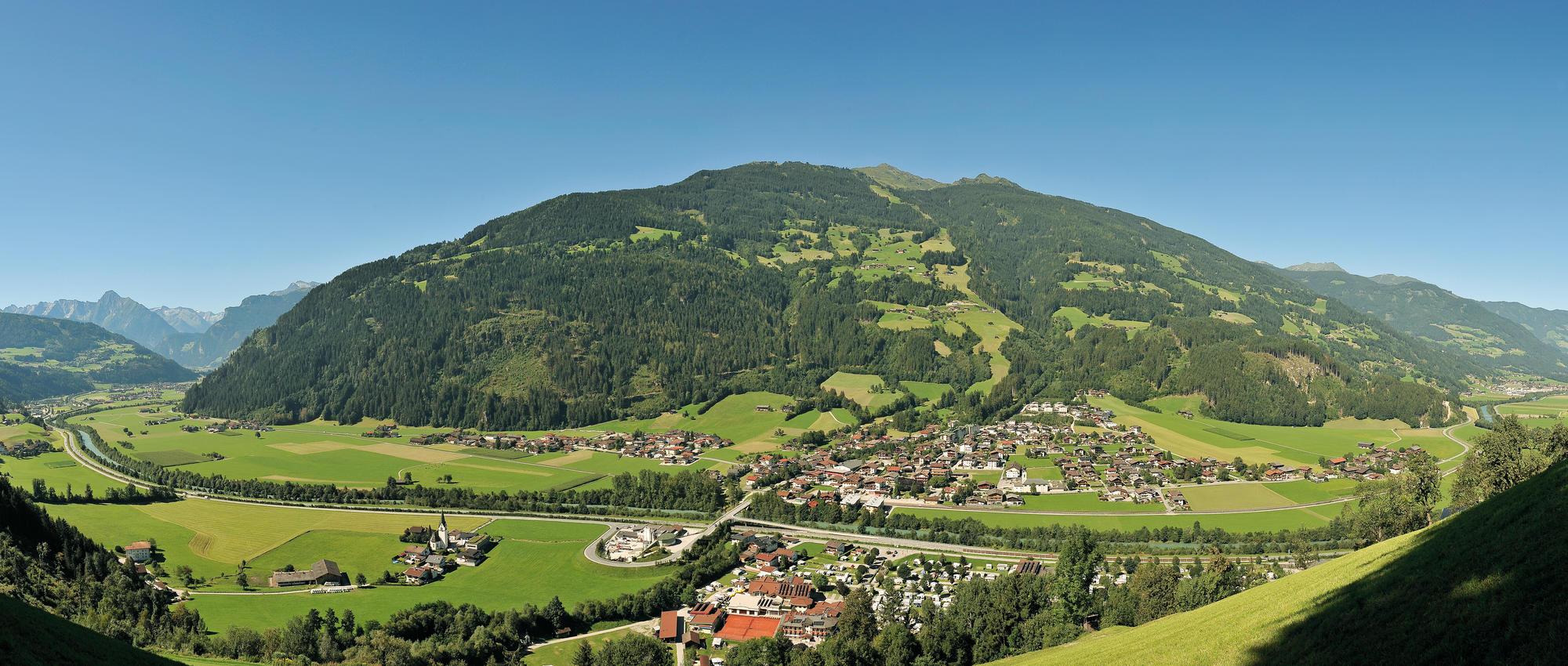 Ortsansicht Aschau im Sommer | © Erste Ferienregion im Zillertal / Wörgötter&friends